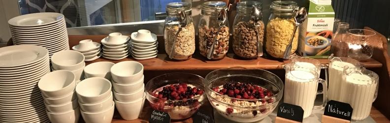 Frukost på Båthuset
